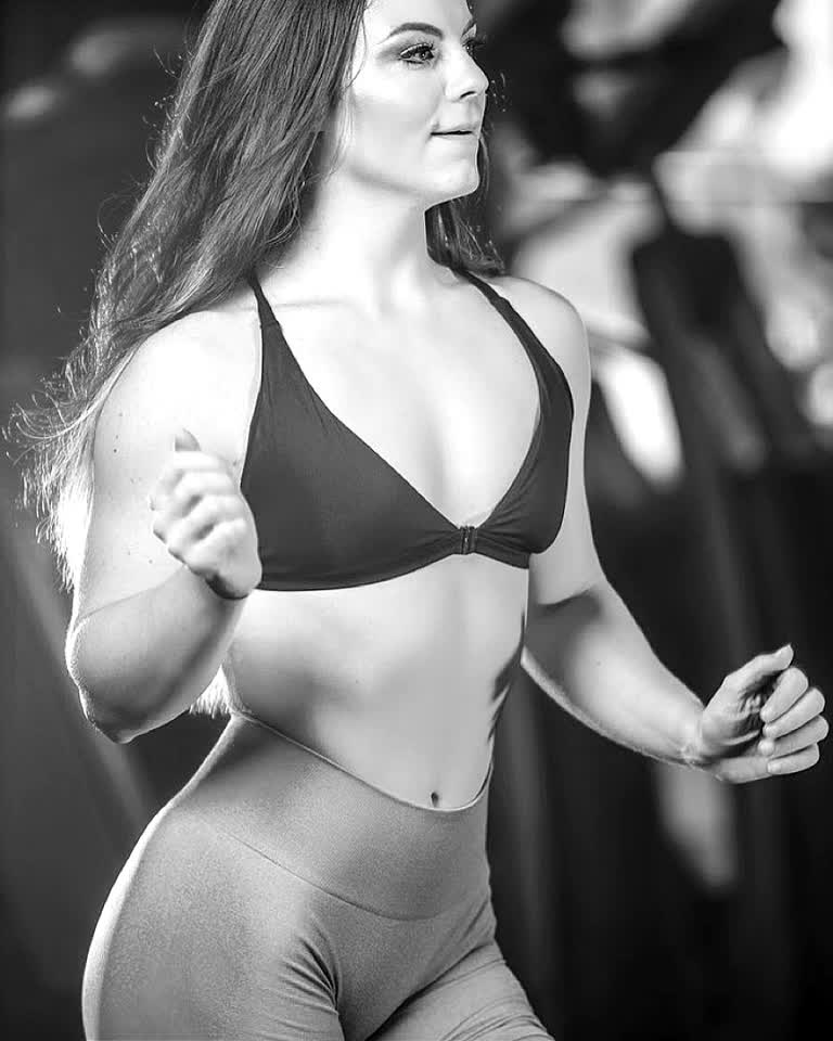 Don't stop learning. Inill athlete: Gianna Stokes #inill #alwaysprogress #unify #fitness #model