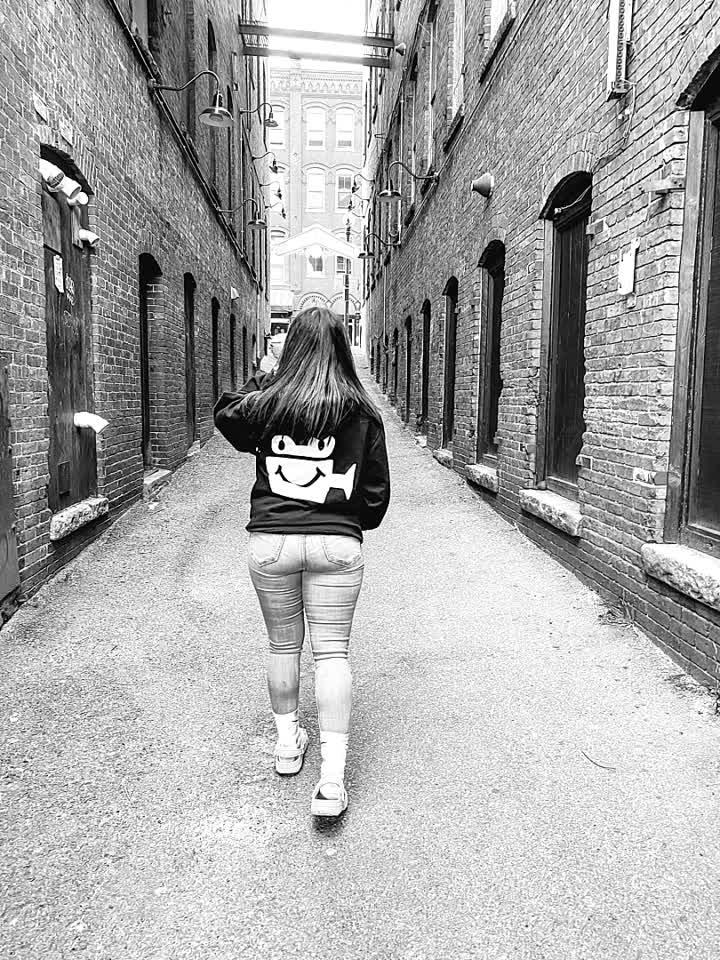 Be happy like the camera 😁 @alfred @Ejimoo #nocomment #walks #summer #quarantine #foryou