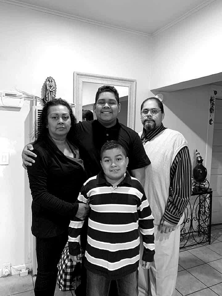 Family Pic❤️ #fyp #followme #follow #family #tbt #throwbackthursday #fire #fam #billieeilish #viral