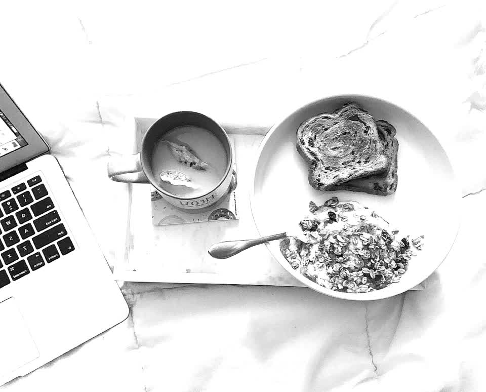 Breakfast in bed ✨ #ejimoo #nocomment #fire #explore #new #monday #food #foryou