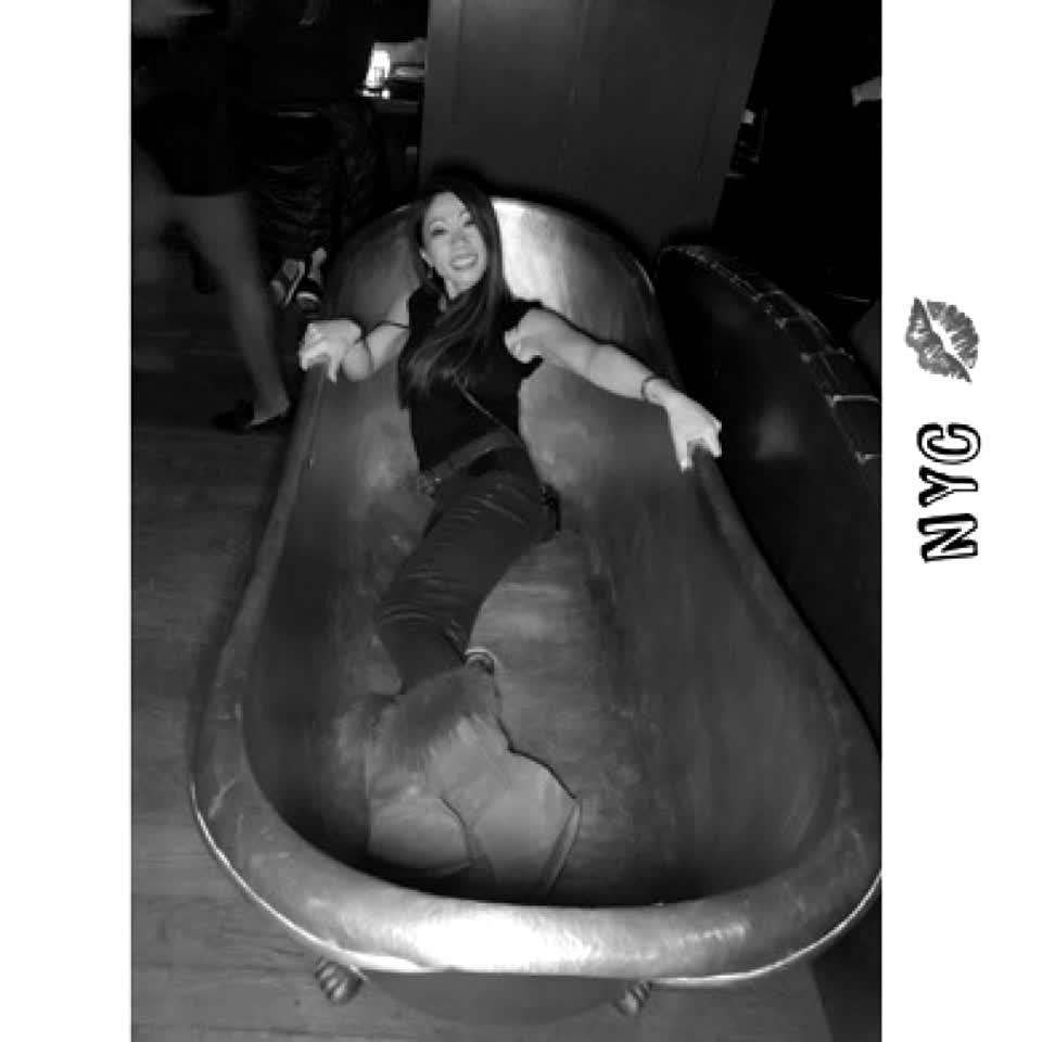 #bathtub in #nyc 💋 #fire #follow #like #love #unify #fashion #gucci #alfred #photo #fyp #model