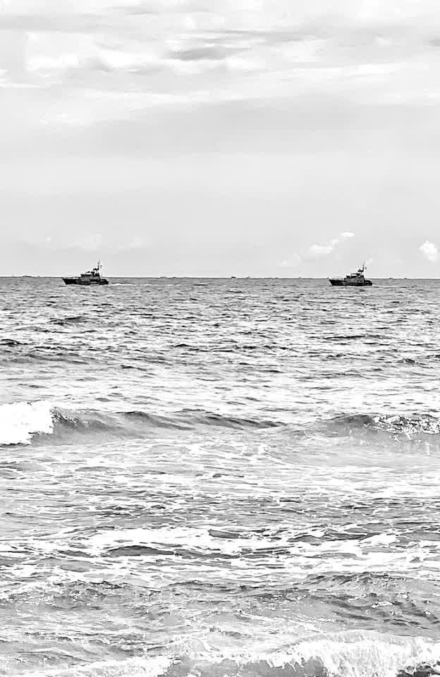 #USCoastGuatd #beach #follow #unify #alfred