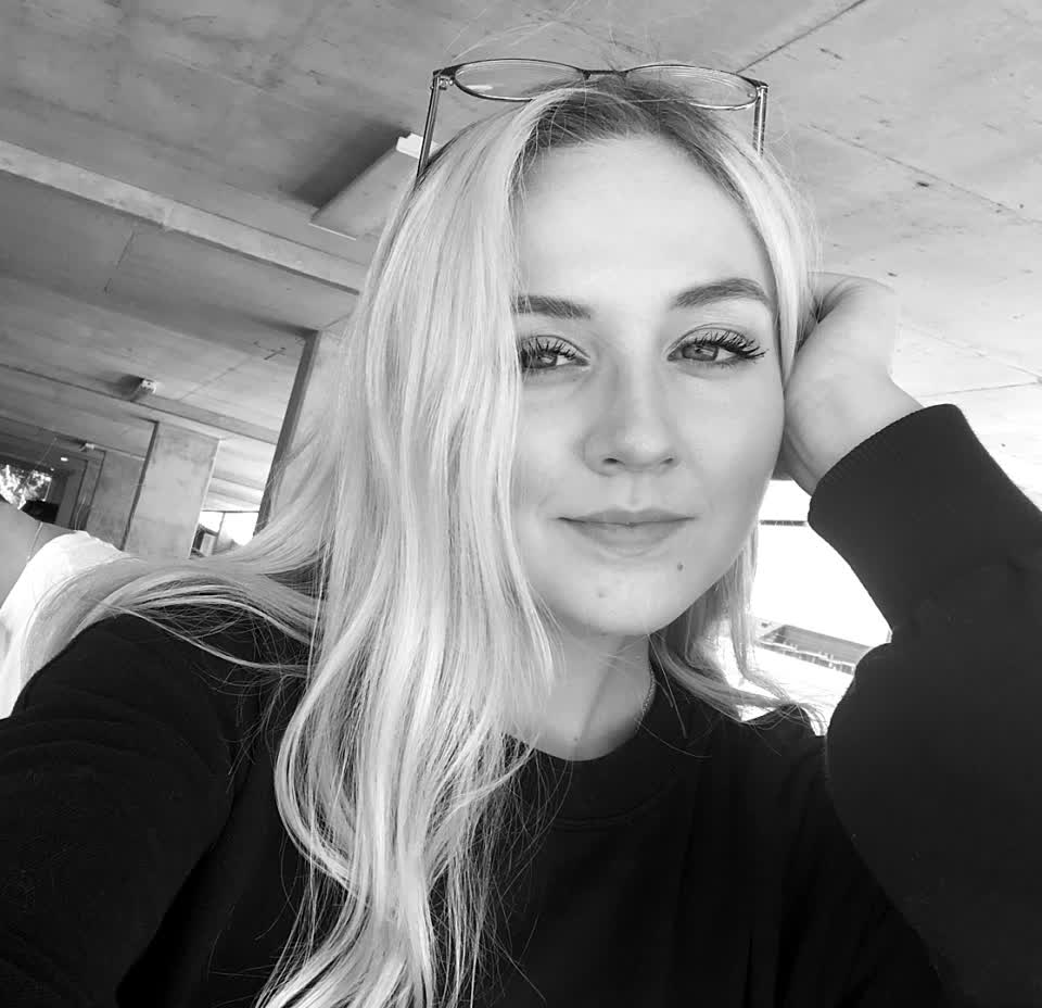 ☮️✨ #parking #garage #selfie #love #ejimoo #spring #nocomment #foryou #ejimoofam #alfred #blonde